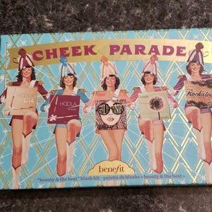 Benefit Cheek Parade Blush Palette